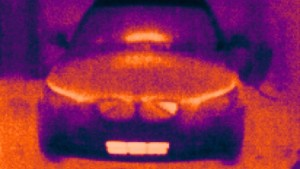 Thermal view of the front in the workshop after a short drive in winter.